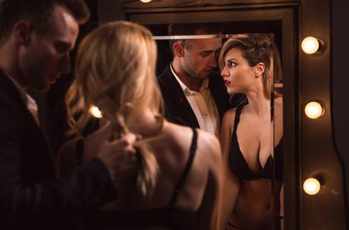Fare sesso allo specchio