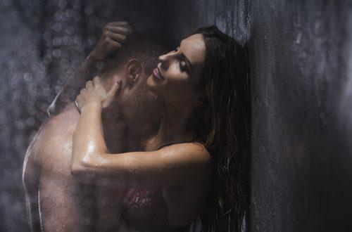 Ecco come dovresti fare sesso sotto la doccia!